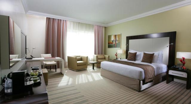 Auris-Plaza-Hotel