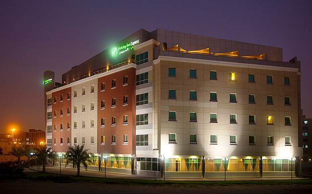 Holiday-Inn-Jumeirah_003