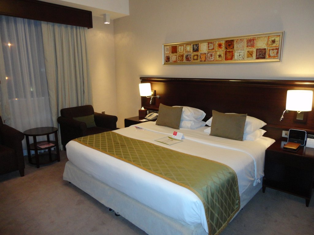 Ramada_Jumeirah_Hotel_001