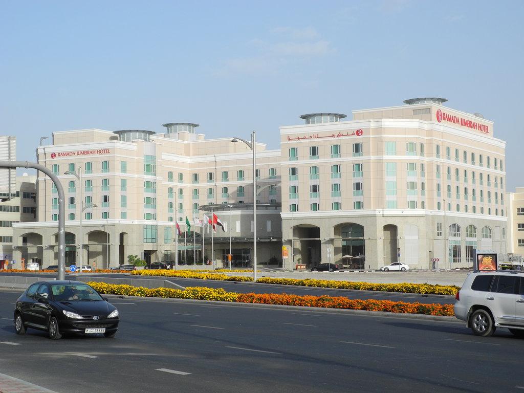 Ramada_Jumeirah_Hotel_003